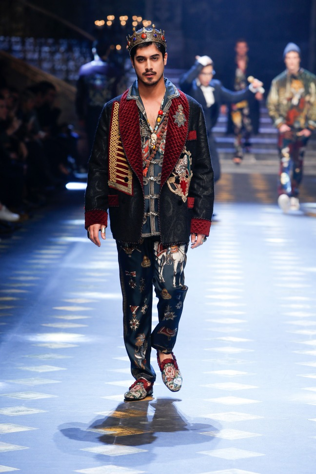From his Victorious days and playing King Tut, Avan Jogia has always had an air of regality. I love the kingly features of the jacket and the exquisite prints.
