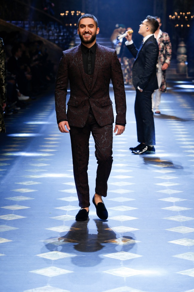 The owner of SMF-Blog - Elias El-Indari - has taken the middle east by storm with his Men's fashion and lifestyle blog.  Elias look crazy sophisticated and this is definitely a look I'd wear in a heartbeat.